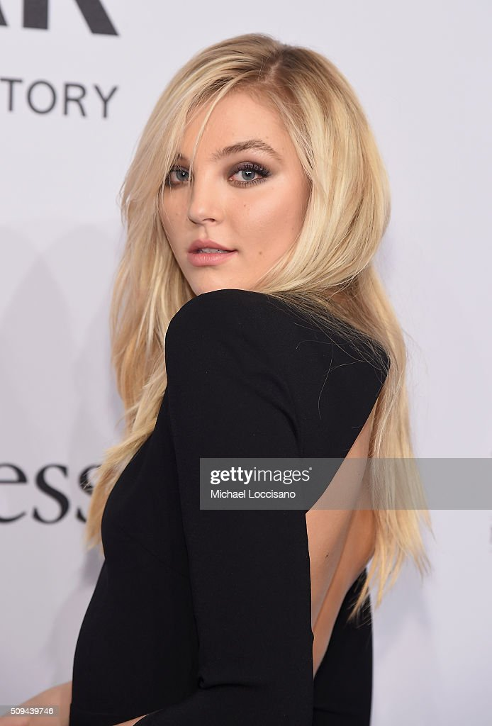 Model <a gi-track='captionPersonalityLinkClicked' href=/galleries/search?phrase=Rachel+Hilbert&family=editorial&specificpeople=13693911 ng-click='$event.stopPropagation()'>Rachel Hilbert</a> attends 2016 amfAR New York Gala at Cipriani Wall Street on February 10, 2016 in New York City.