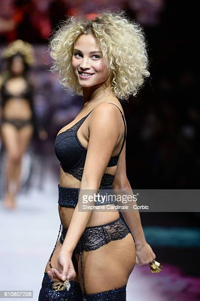 Model Rose Bertram walks the runway during the Etam show as part of the Paris Fashion Week Womenswear Spring/Summer 2017 on September 27 2016 in...