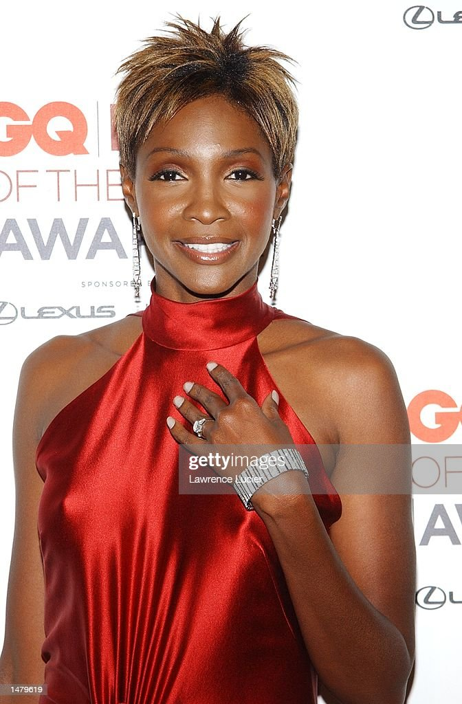 Model Roshumba Williams poses backstage at the 2002 GQ Men of the Year Awards October 16, 2002 at the Manhattan Center in New York City, New York.