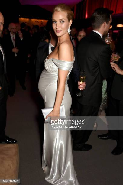 Model Rosie HuntingtonWhiteley attends the 2017 Vanity Fair Oscar Party hosted by Graydon Carter at Wallis Annenberg Center for the Performing Arts...