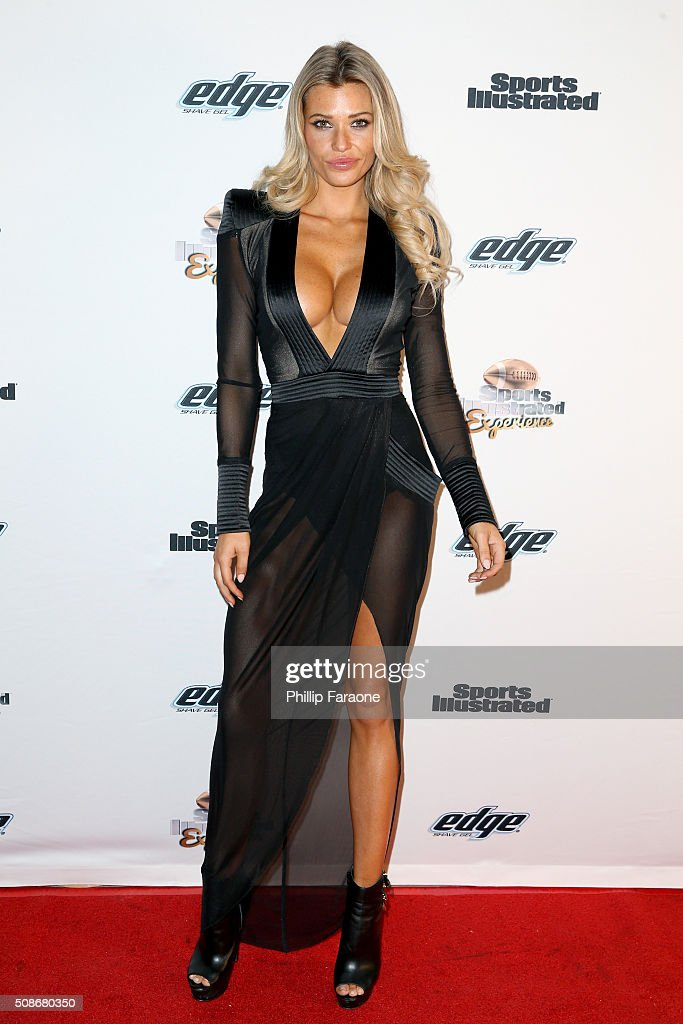 Model Samantha Hoopes attends the Sports Illustrated Experience Friday Night Party on February 5, 2016 in San Francisco, California.