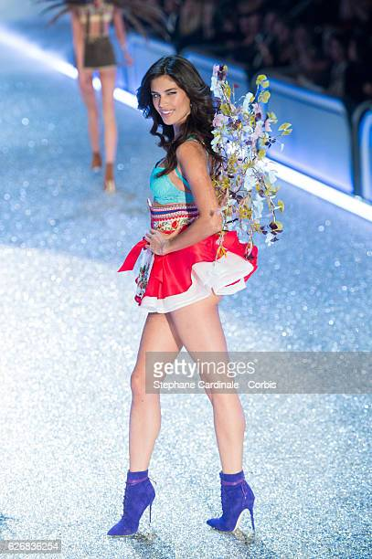 Model Sara Sampaio walks on the runway for the 2016 Victoria's Secret fashion show at Le Grand Palais on November 30 2016 in Paris France