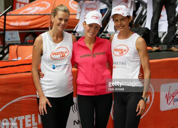 Model Sarah Murdoch and television presenters Sophie Falkiner and Antonia Kidman take part in The Foxtel Lap 2009 whereby teams of 20 compete to run...