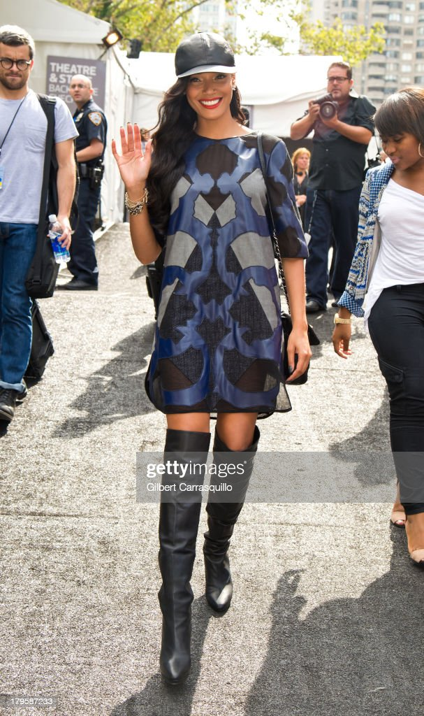 Model Selita Ebanks attends 2014 Mercedes-Benz Fashion Week during day 1 on September 5, 2013 in New York City.