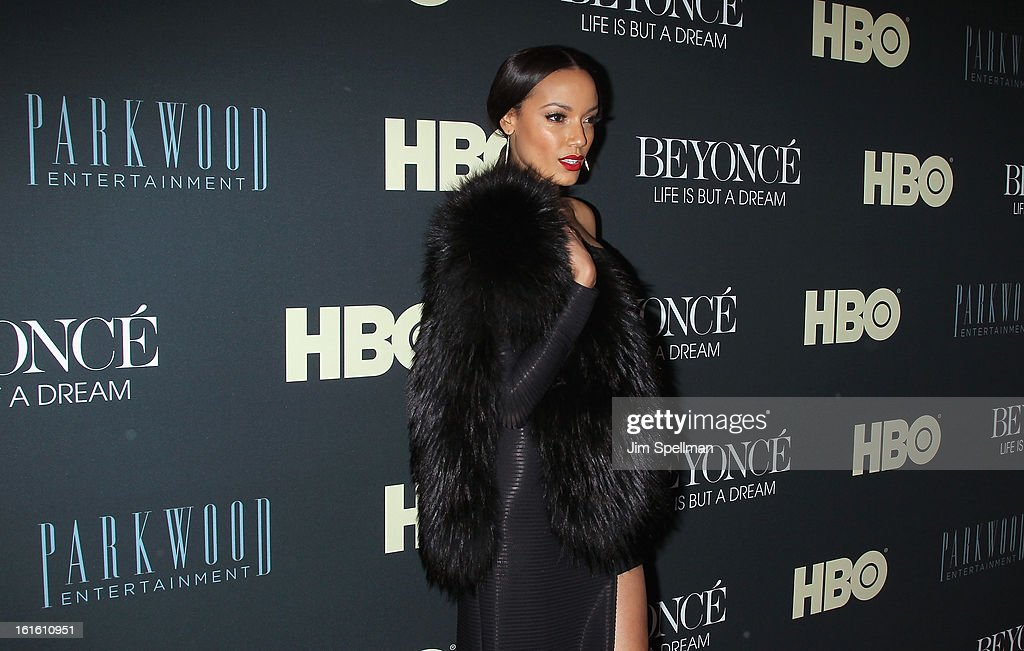 Model Selita Ebanks attends 'Beyonce: Life Is But A Dream' New York Premiere at Ziegfeld Theater on February 12, 2013 in New York City.