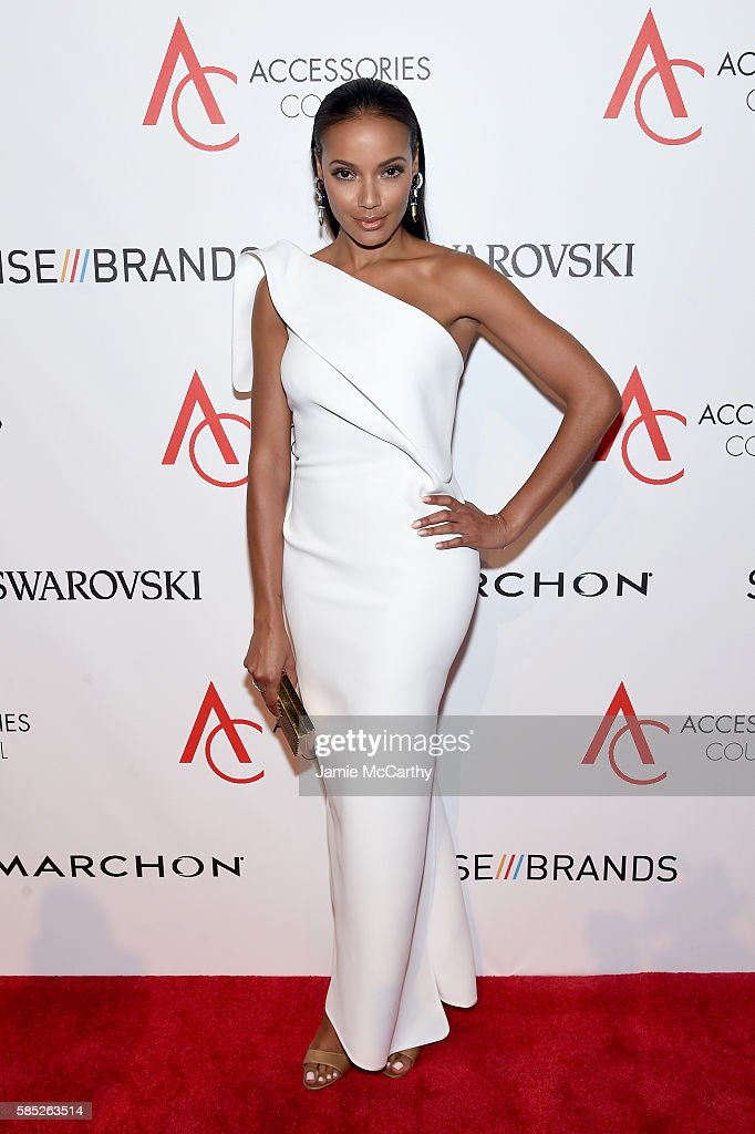Model Selita Ebanks attends the Accessories Council 20th Anniversary celebration of the ACE awards at Cipriani 42nd Street on August 2 2016 in New...