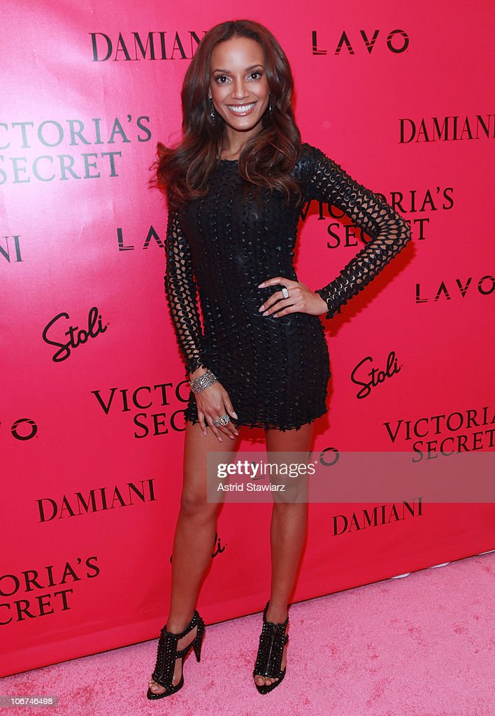 Model <a gi-track='captionPersonalityLinkClicked' href=/galleries/search?phrase=Selita+Ebanks&family=editorial&specificpeople=619483 ng-click='$event.stopPropagation()'>Selita Ebanks</a> attends the after party following the 2010 Victoria's Secret Fashion Show at Lavo on November 10, 2010 in New York City.