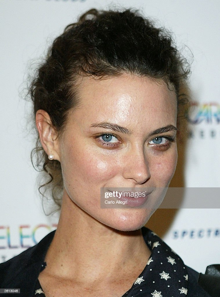 Model Shalom Harlow arrives for Carmen Electra's Aerobic Striptease DVD Launch Party October 17, 2003 in Santa Monica, California.