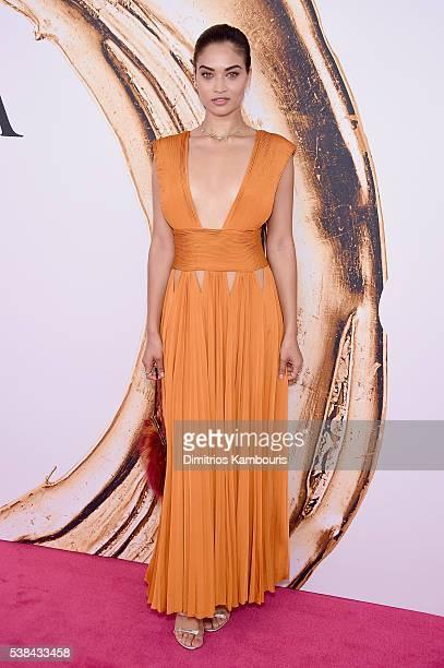 Model Shanina Shaik attends the 2016 CFDA Fashion Awards at the Hammerstein Ballroom on June 6 2016 in New York City