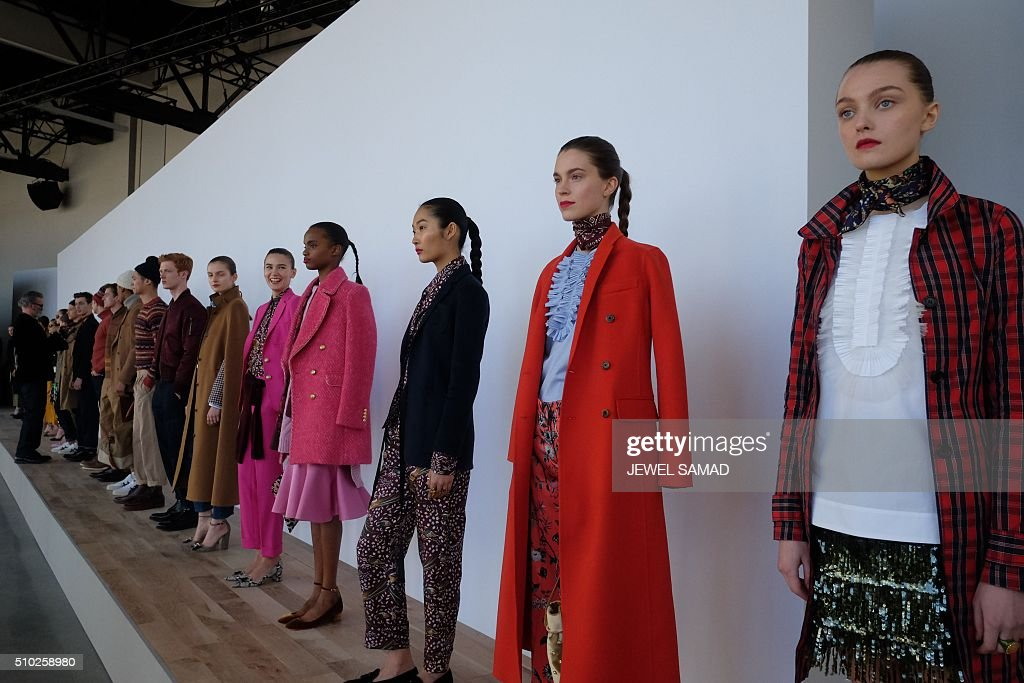 Model showcase creations by J.Crew during their Fall 2016 New York Fashion Week presentation on February 14, 2016, in New York. / AFP / Jewel Samad
