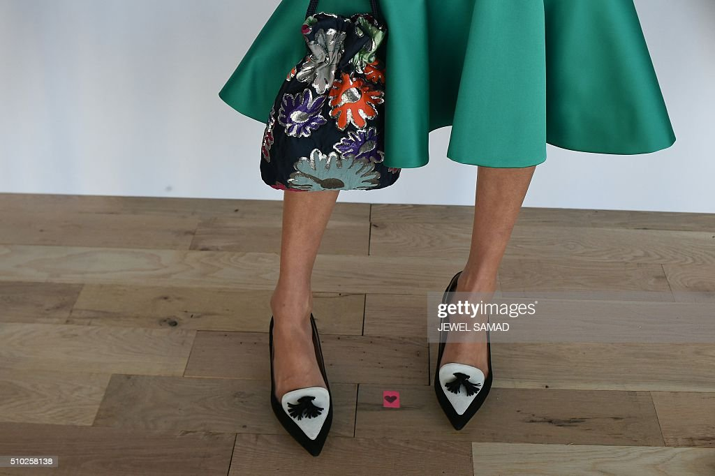 A model showcases a creation by J.Crew during their Fall 2016 New York Fashion Week presentation on February 14, 2016, in New York. / AFP / Jewel Samad