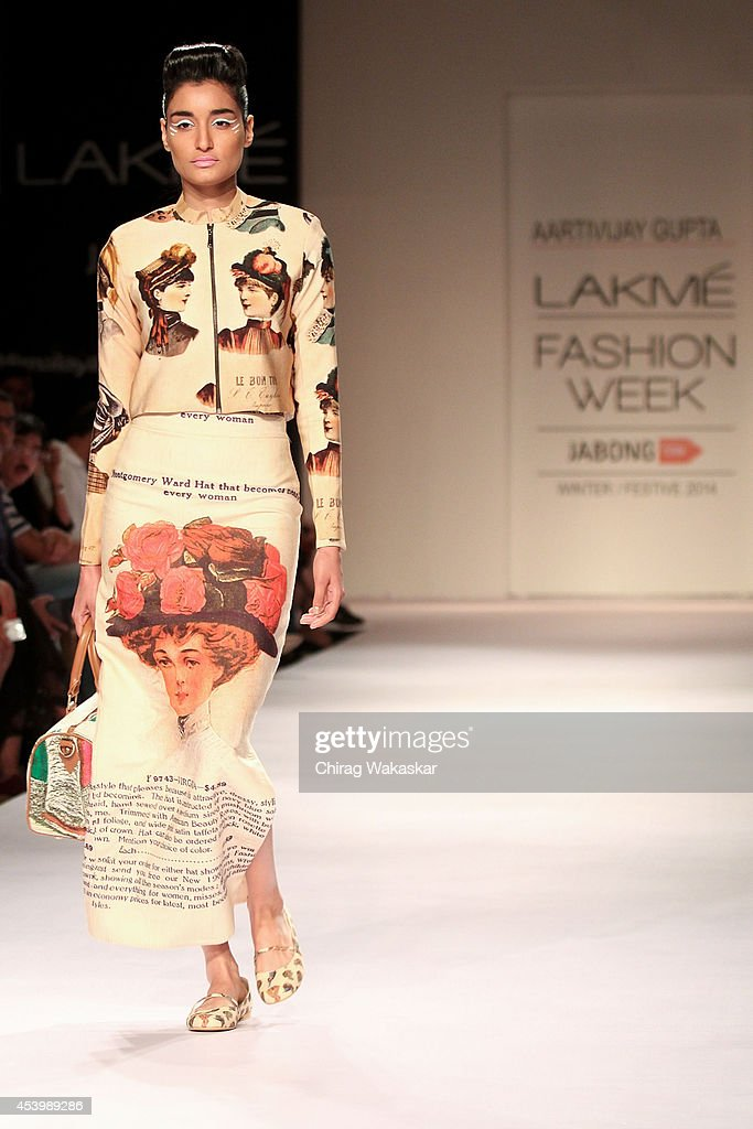 A model showcases designs by Aarti Vijay Gupta during day 3 of Lakme Fashion Week Winter/Festive 2014 at The Palladium Hotel on August 22, 2014 in Mumbai, India.