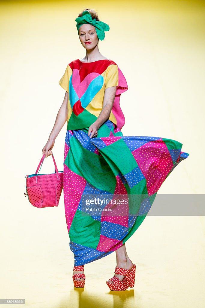 Agatha ruiz de la prada runway mercedes benz fashion for Carrelage agatha ruiz dela prada