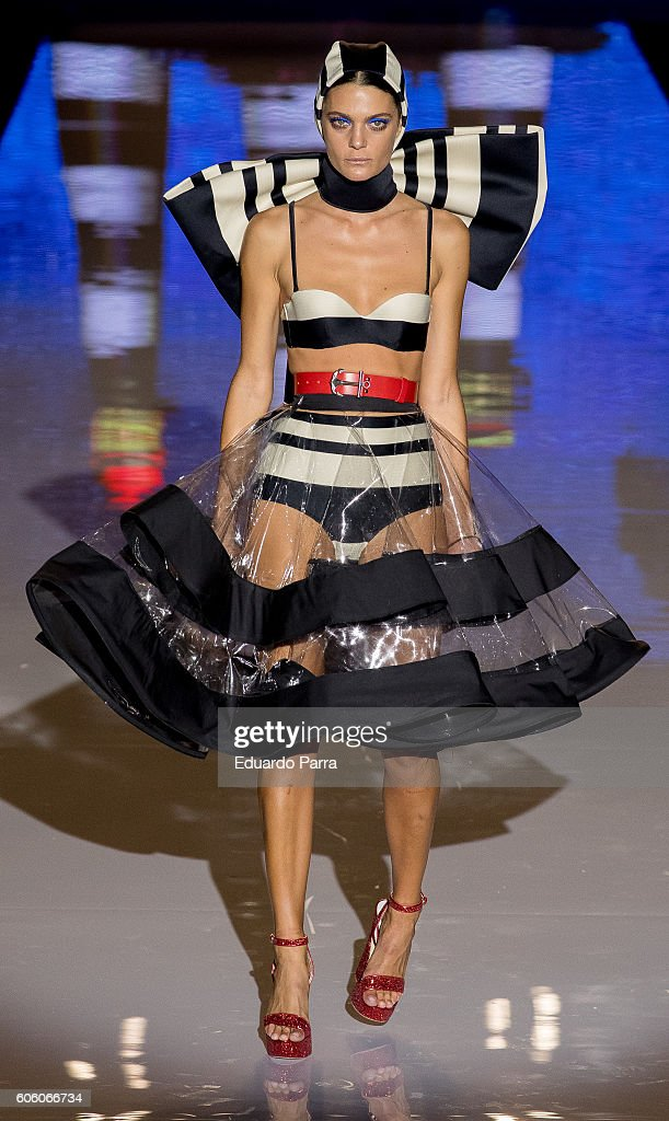 model-showcases-designs-by-andres-sarda-on-the-runway-at-the-andres-picture-id606066734