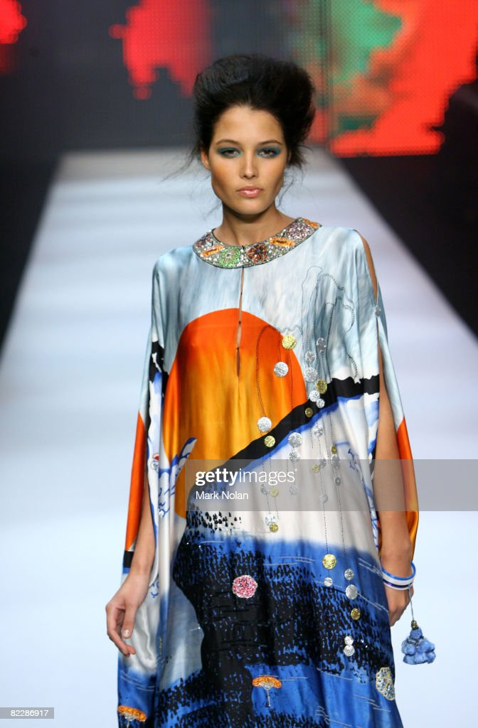 A model showcases designs by Easton Pearson on the catwalk during In Review Show 1 as part of the inaugural Rosemount Sydney Fashion Festival 2008 at...