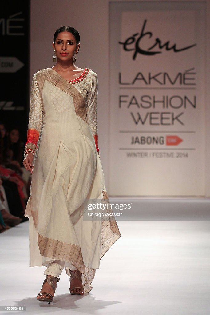 A model showcases designs by Ekru during day 3 of Lakme Fashion Week Winter/Festive 2014 at The Palladium Hotel on August 22, 2014 in Mumbai, India.