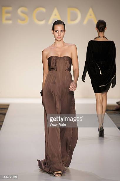 A model showcases designs by Escada on the catwalk during the Mastercard Luxury Week Hong Kong 2009 at The Four Seasons Hotel on August 25 2009 in...