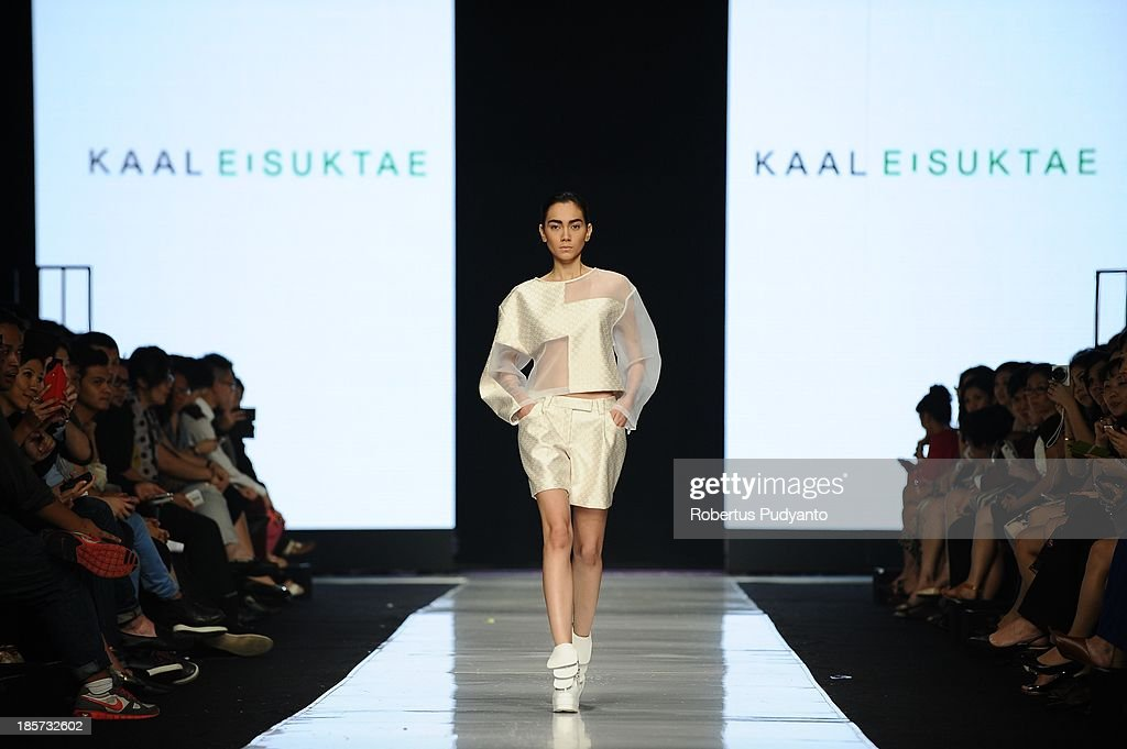 A model showcases designs by Kaal E. Suktae on the runway at the Korean Cultural Center show during Jakarta Fashion Week 2014 at Senayan City on October 24, 2013 in Jakarta, Indonesia.