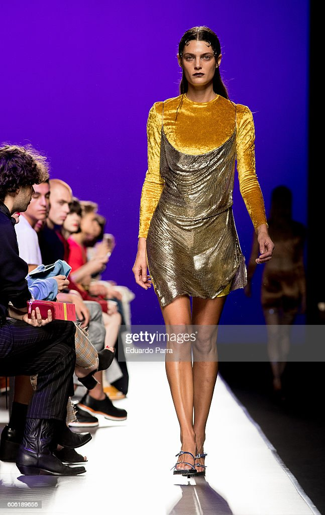 model-showcases-designs-by-manemane-on-the-runway-at-the-manemane-picture-id606189656