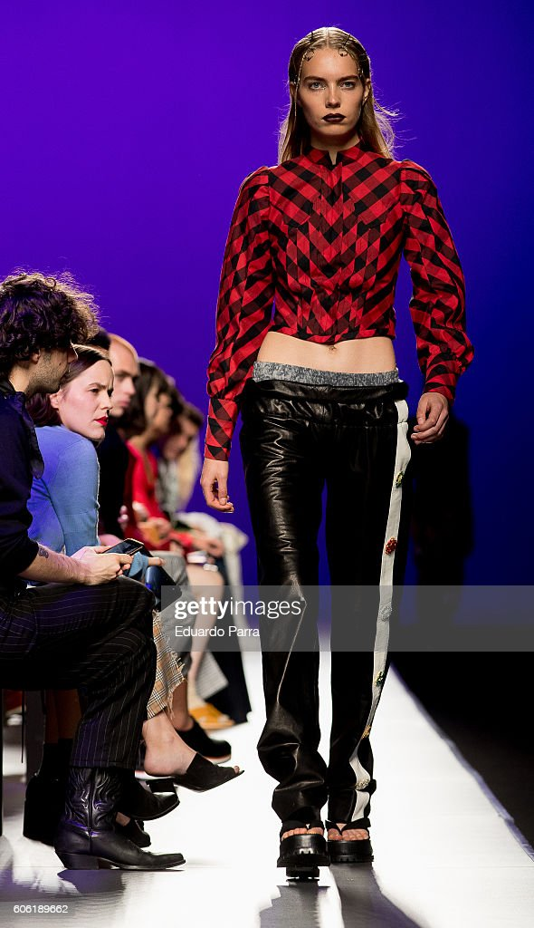 model-showcases-designs-by-manemane-on-the-runway-at-the-manemane-picture-id606189662