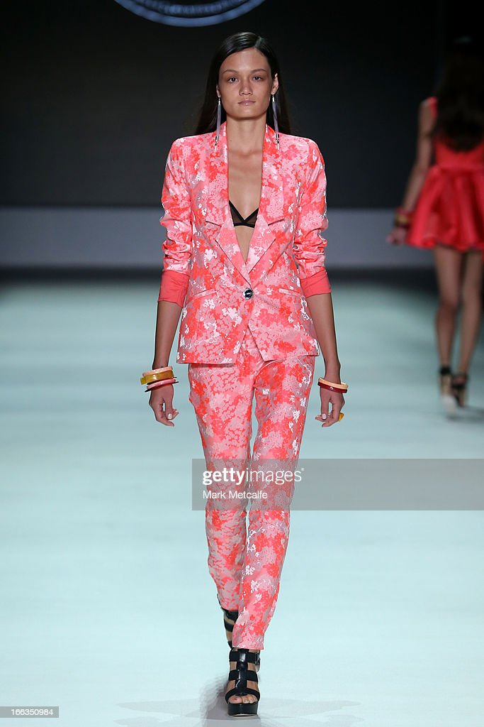 A model showcases designs by Natalie & Sarah on the runway at the New Generation show during Mercedes-Benz Fashion Week Australia Spring/Summer 2013/14 at Carriageworks on April 12, 2013 in Sydney, Australia.