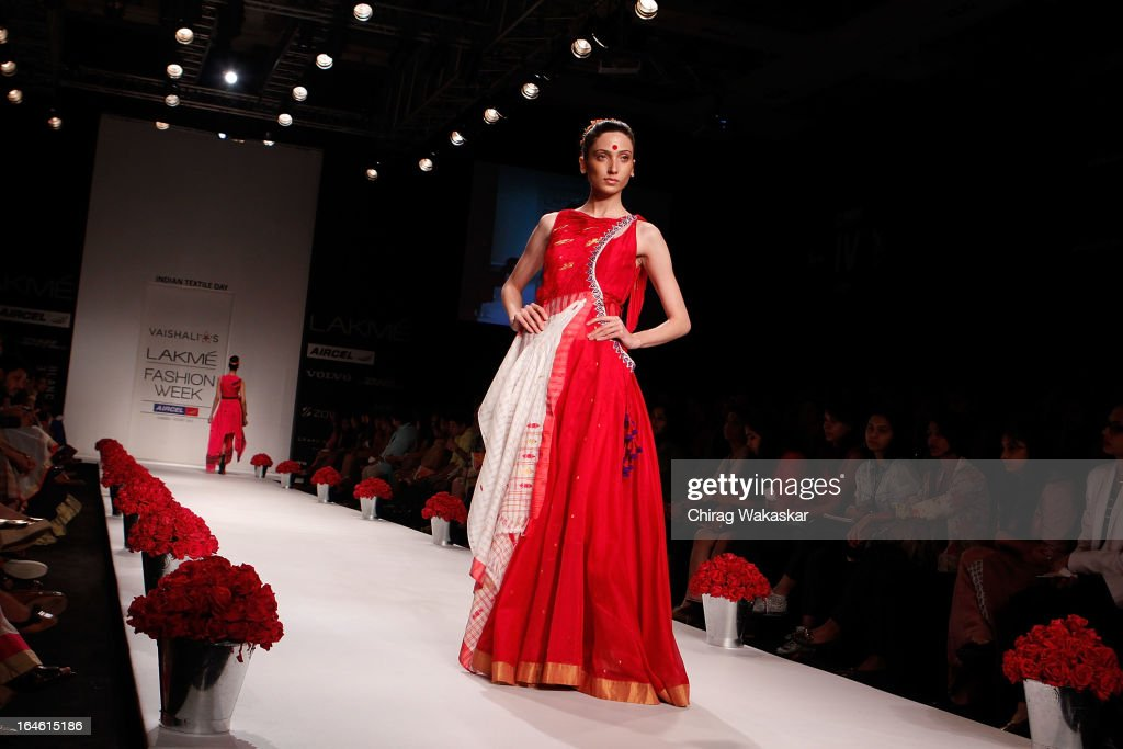 A model showcases designs by Vaishali Shadangule on the runway during day four of Lakme Fashion Week Summer/Resort 2013 on March 25, 2013 at Grand Hyatt in Mumbai, India.