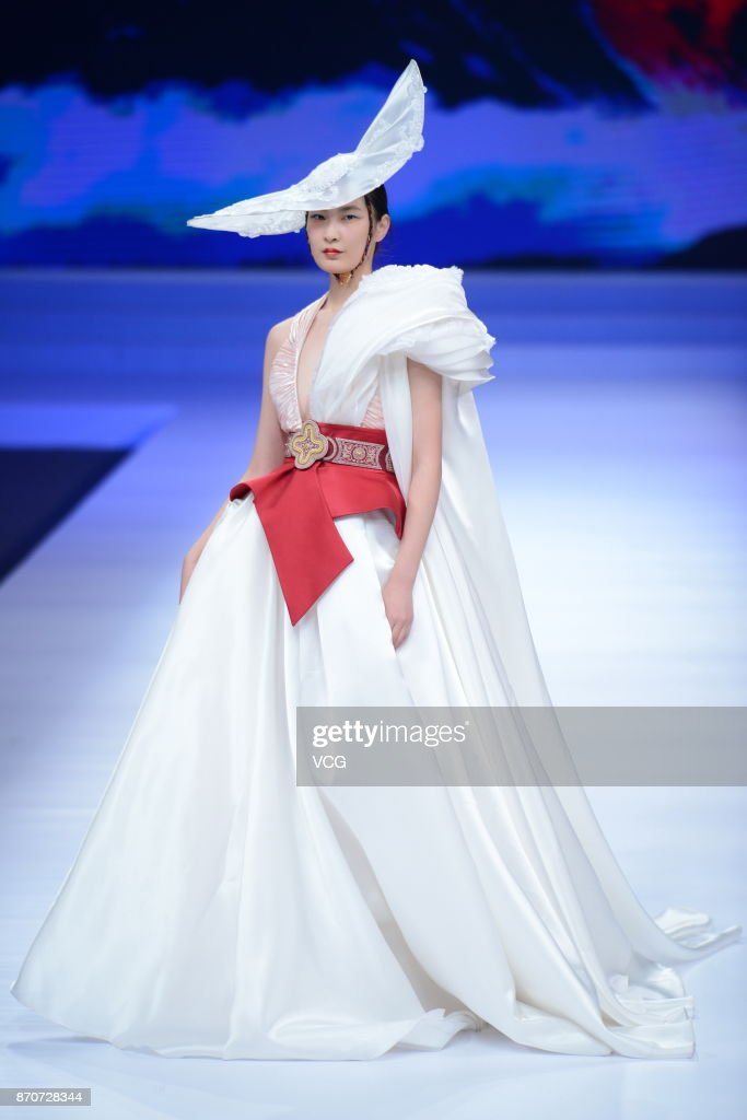 Chinese fashion dress 2018