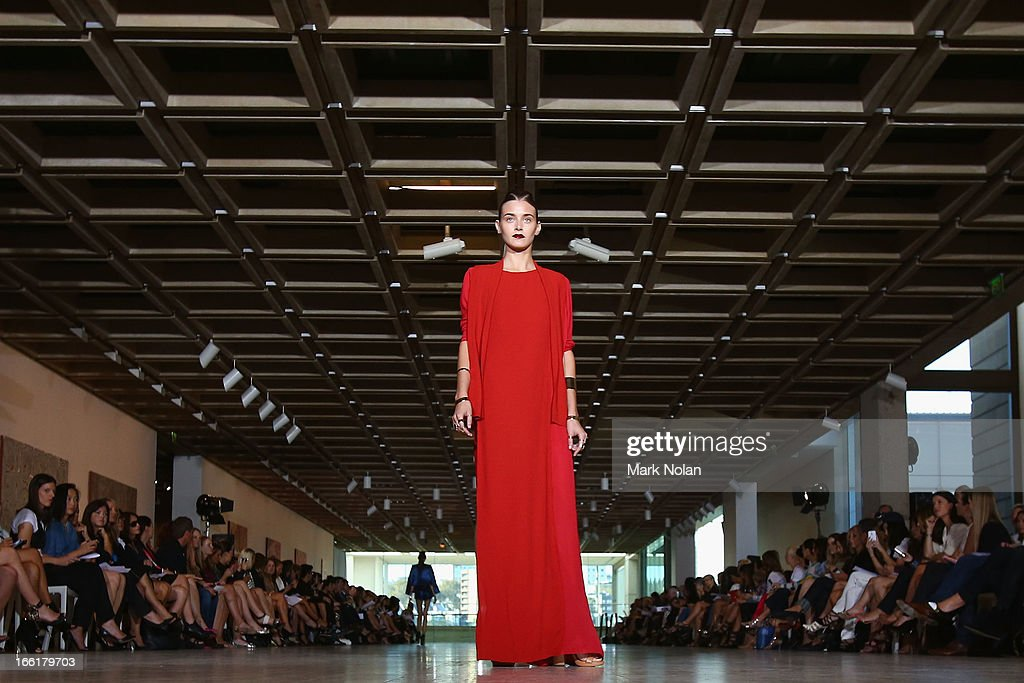 A model showcases designs on the runway at the Lisa Ho show during MercedesBenz Fashion Week Australia Spring/Summer 2013/14 at Art Gallery Of NSW on...