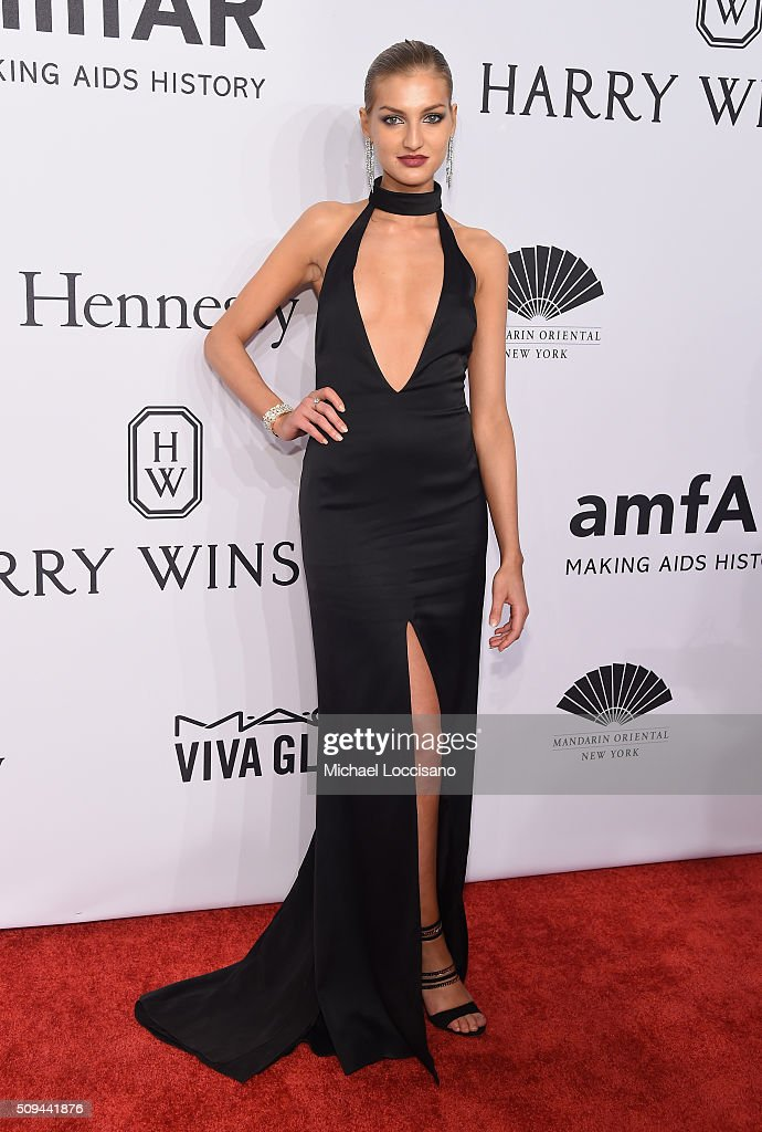 Model Simona Andrejic attends 2016 amfAR New York Gala at Cipriani Wall Street on February 10, 2016 in New York City.