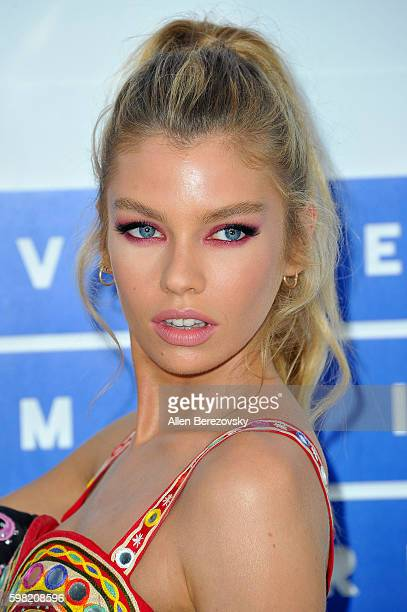 Model Stella Maxwell arrives at the 2016 MTV Video Music Awards at Madison Square Garden on August 28 2016 in New York City