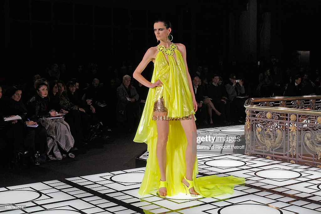 Model <a gi-track='captionPersonalityLinkClicked' href=/galleries/search?phrase=Stella+Tennant&family=editorial&specificpeople=758696 ng-click='$event.stopPropagation()'>Stella Tennant</a> walks the runway during the Versace Spring/Summer 2013 Haute-Couture show as part of Paris Fashion Week at Le Centorial on January 20, 2013 in Paris, France.