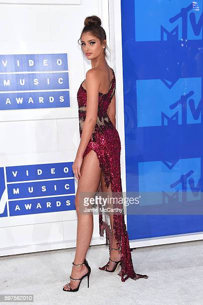 Model Taylor Hill attends the 2016 MTV Video Music Awards at Madison Square Garden on August 28 2016 in New York City
