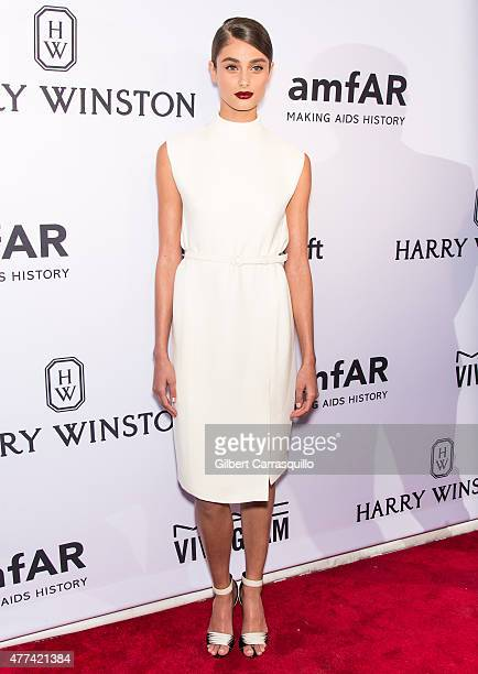 Model Taylor Marie Hill attends the 2015 amfAR Inspiration Gala New York at Spring Studios on June 16 2015 in New York City