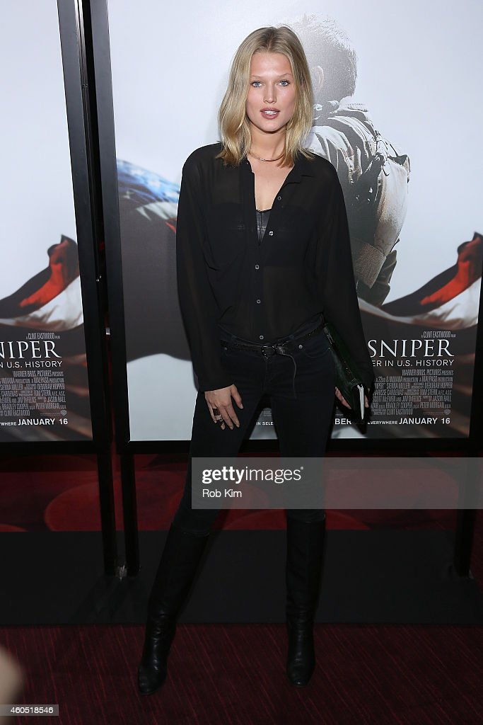 Model Toni Garrn arrives at the 'American Sniper' New York Premiere at Frederick P Rose Hall Jazz at Lincoln Center on December 15 2014 in New York...