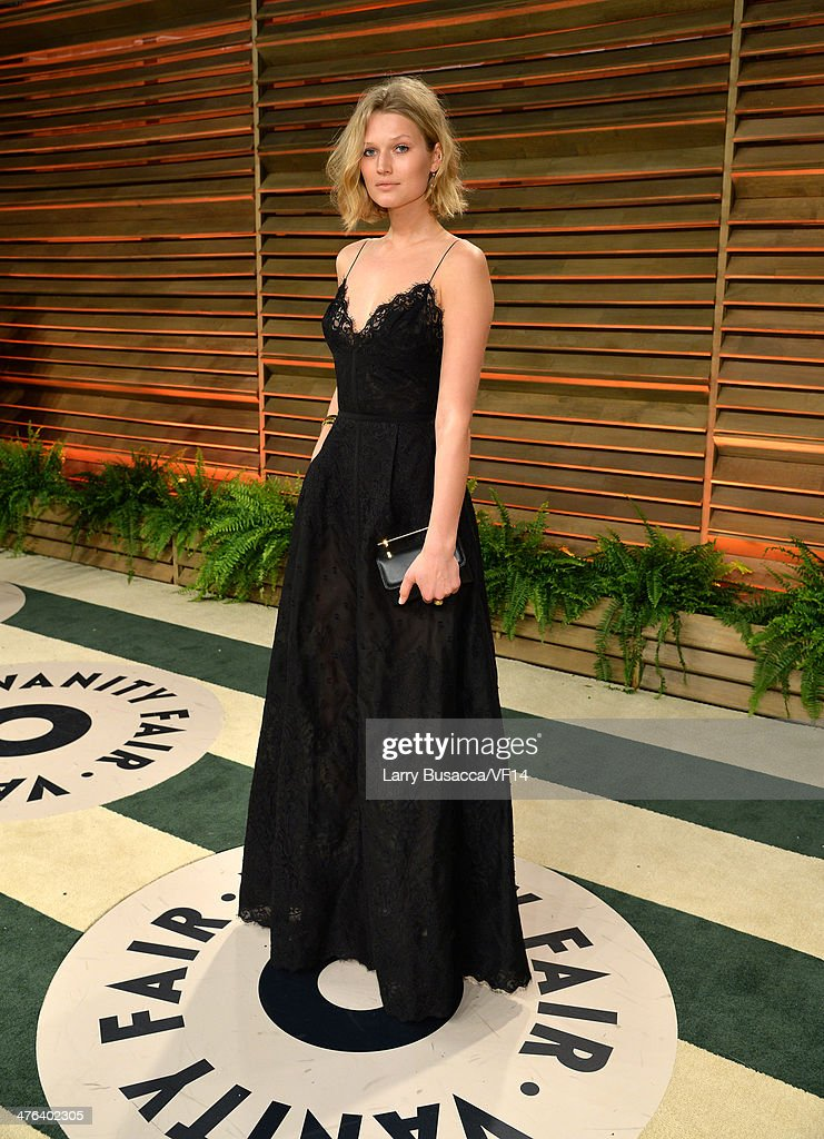 Model <a gi-track='captionPersonalityLinkClicked' href=/galleries/search?phrase=Toni+Garrn&family=editorial&specificpeople=4425236 ng-click='$event.stopPropagation()'>Toni Garrn</a> attends the 2014 Vanity Fair Oscar Party Hosted By Graydon Carter on March 2, 2014 in West Hollywood, California.