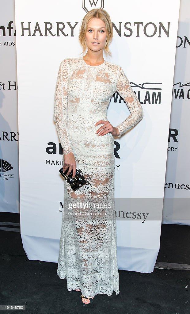 Model Toni Garrn attends the 2015 amfAR New York Gala at Cipriani Wall Street on February 11 2015 in New York City