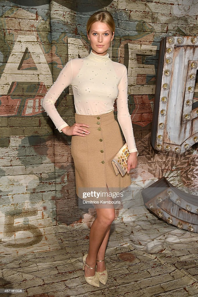 Model Toni Garrn attends the CHANEL Dinner Celebrating N°5 THE FILM by Baz Luhrmann on October 13 2014 in New York City