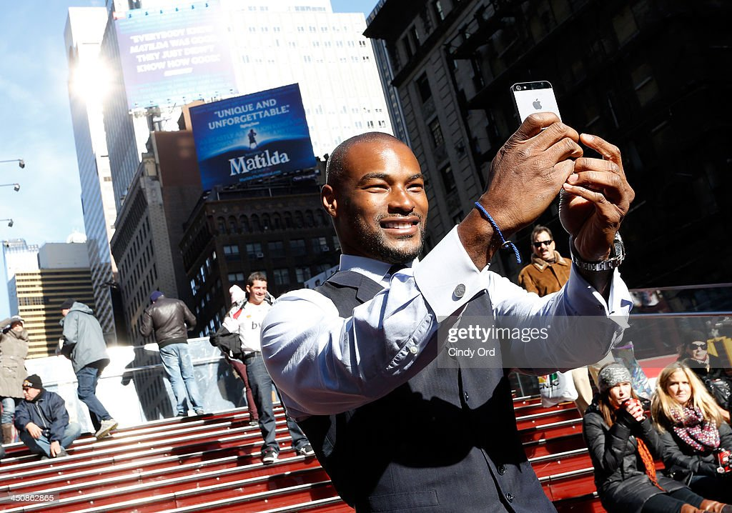 Model <a gi-track='captionPersonalityLinkClicked' href=/galleries/search?phrase=Tyson+Beckford&family=editorial&specificpeople=210873 ng-click='$event.stopPropagation()'>Tyson Beckford</a> attends People Celebrates Iconic 'Sexiest Man Alive' Issue in Times Square on November 20, 2013 in New York City.