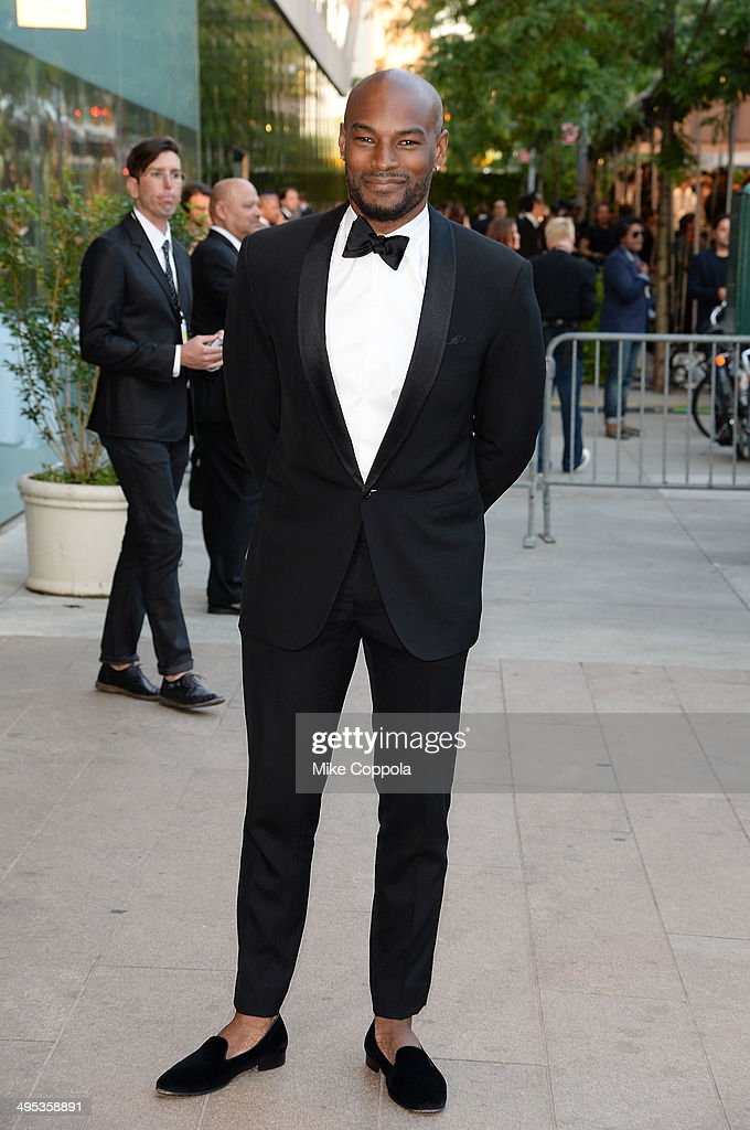 Model <a gi-track='captionPersonalityLinkClicked' href=/galleries/search?phrase=Tyson+Beckford&family=editorial&specificpeople=210873 ng-click='$event.stopPropagation()'>Tyson Beckford</a> attends the 2014 CFDA fashion awards at Alice Tully Hall, Lincoln Center on June 2, 2014 in New York City.