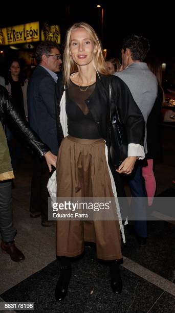 Model Vanesa Lorenzo attends the 'Tricicle Hits' premiere at La Luz theatre on October 19 2017 in Madrid Spain
