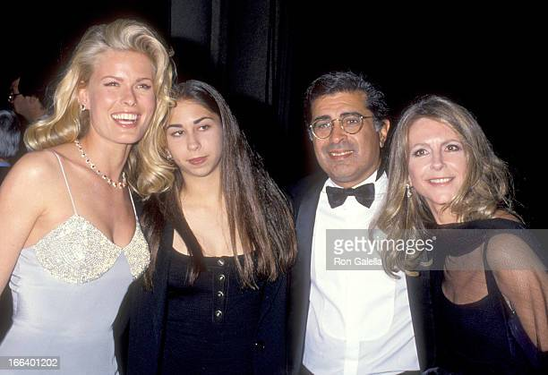 Model Vendela Businessman Terry Semel wife Jane Bovington and daughter Courtenay Semel attend the 66th Annual Academy Awards on March 21 1994 at...
