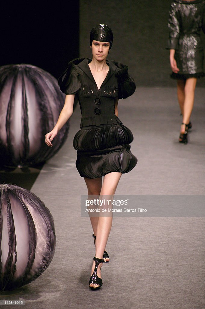 Paris fashion week spring summer 2008 lie sang bong for Pret a porter uk