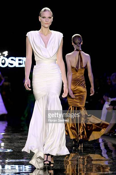 A model walks down the catwalk at the Zac Posen fashion show during the MercedesBenz Fashionweek Berlin autumn/winter 2008 on January 31 2008 in...