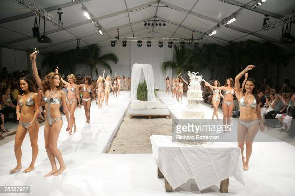 Nikki benz in miami stock photos and pictures getty images for Runway club miami