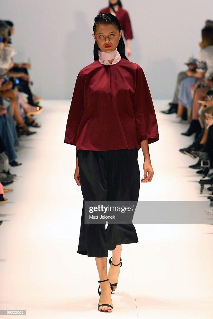 Tome runway mercedes benz fashion week australia 2015 for Mercedes benz fashion show