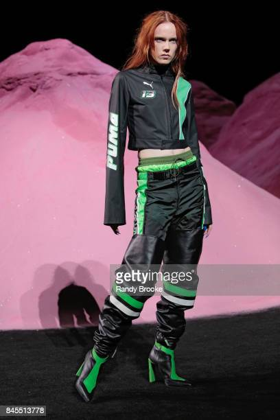 Supermodel on the runway during NYFW September 10 2017 Spring 9026in New York City NEW YORK NY SEPTEMBER 10 A model walks the catwalk during the...
