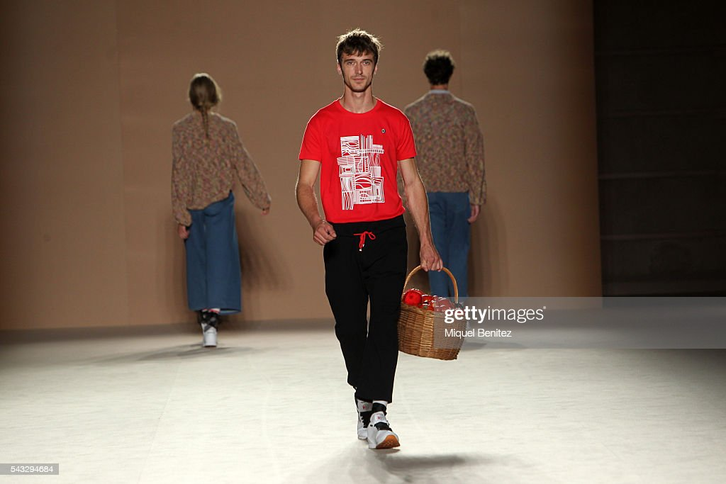 A model walks the runaway at the Carlotaoms show during the Barcelona 080 Fashion Week Spring/Summer 2017 at the INEFC Institut Nacional de Educaci Fsica de Catalunya on June 27, 2016 in Barcelona, Spain.