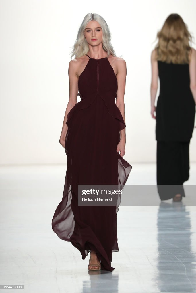 model-walks-the-runway-at-erin-fetherston-fashion-show-during-new-picture-id634413038
