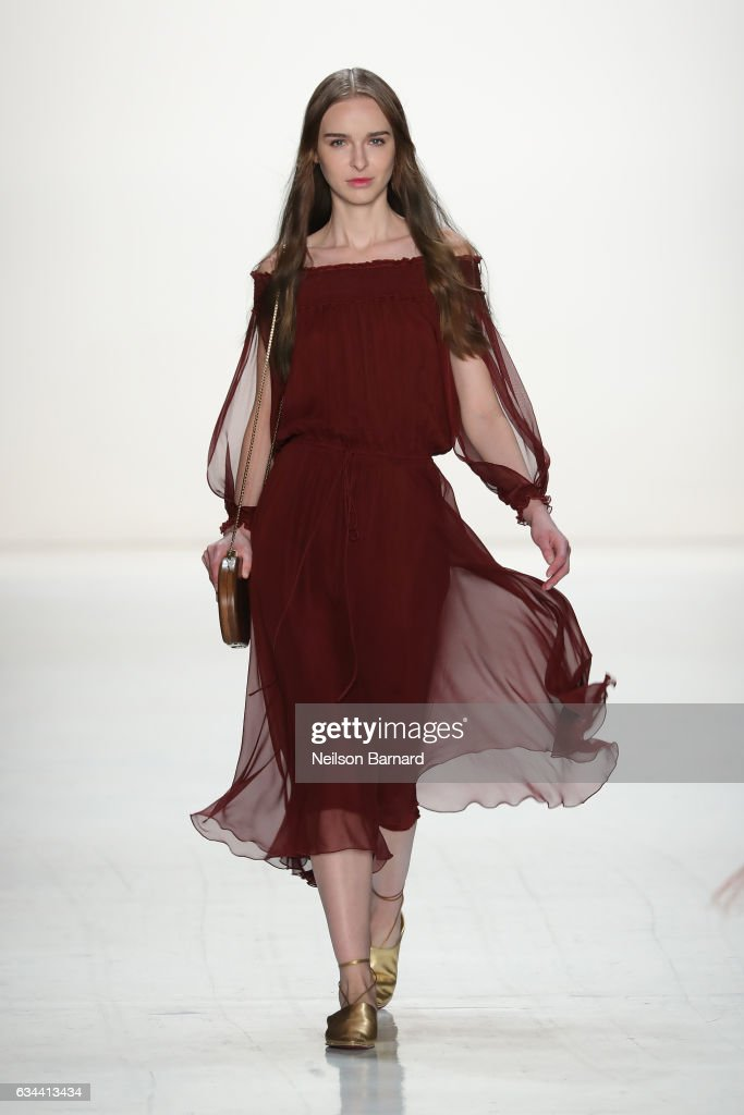 model-walks-the-runway-at-erin-fetherston-fashion-show-during-new-picture-id634413434