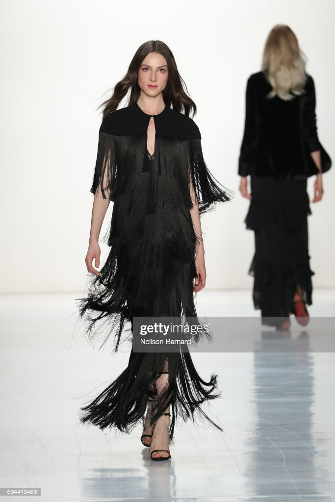 model-walks-the-runway-at-erin-fetherston-fashion-show-during-new-picture-id634413468